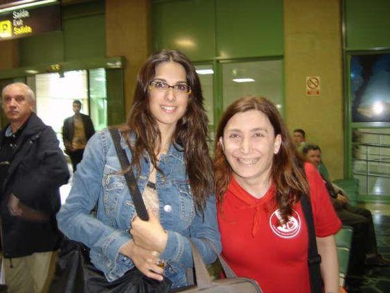 Con Nuria Fergo. Aeropuerto de Lavacolla. Stgo de Compostela