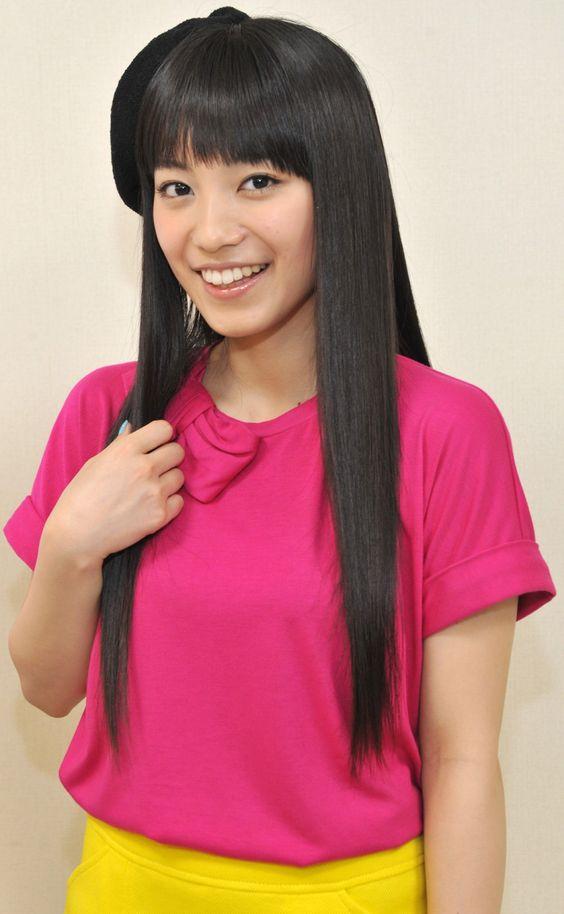 miwaのピンクのシャツ