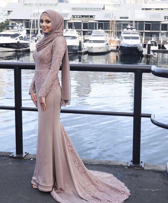 Ozel Gece Ve Dugun Icin 2020 Tesettur Abiye Modelleri 2020 Islami Giyim Elbise Dugun Elbiseler