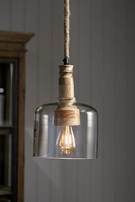 De San Sebastian Hanging Lamp Is Bijzonder In Zijn Eenvoud De Combinatie Van Glas Hout En Touw Straalt Een Zomers Gevoel Uit De La Hanglamp Lampen Lampenkap