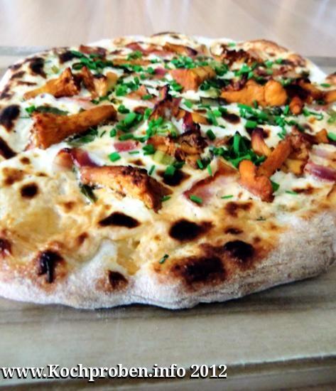 Pfifferlingpizza  #pfifferlinge #pizza #speck