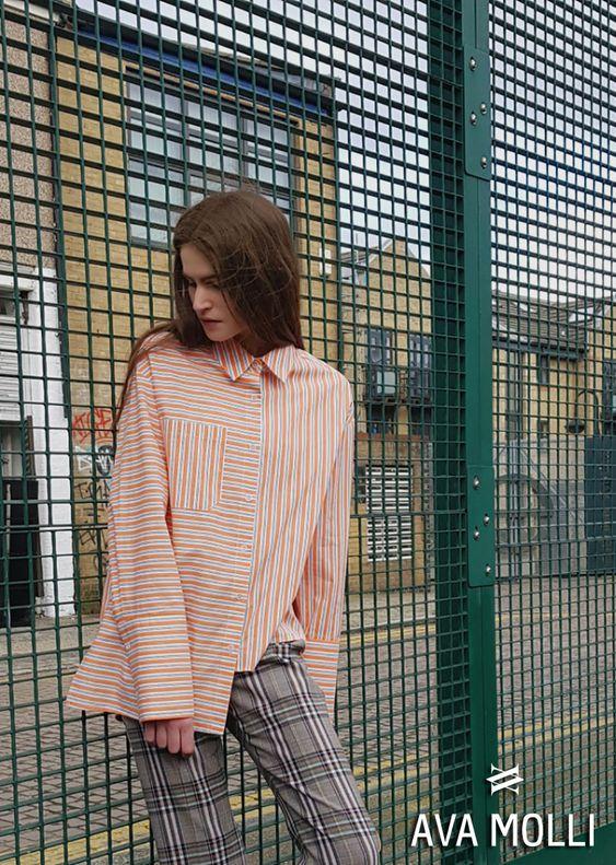 아바몰리 AVAMOLLI 2018SS '파울라 스트라이프 셔츠(4042 Paula stripe shirts(orange))' 입니다.  문의 :avamolli@naver.com  #아바몰리 #AVAMOLLI #수트 #2018SS #컬렉션 #체크 #울  #트렌치코트 #니트 #자켓 #바지 #팬츠 #여성복 #여성의류 #여성패션 #쇼핑몰 #코트 #울코트 #롱코트 #롱자켓 #longcoat #coat #longjacket #jacket #wool #suit #trenchcoat #woman #girl #apparel #design #designer #brand #shoppingmall #mall #fashion