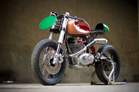Nice custom cafe racer - check out the huge front brake disk and cut-in gas tank (TheHalifaxJungle)