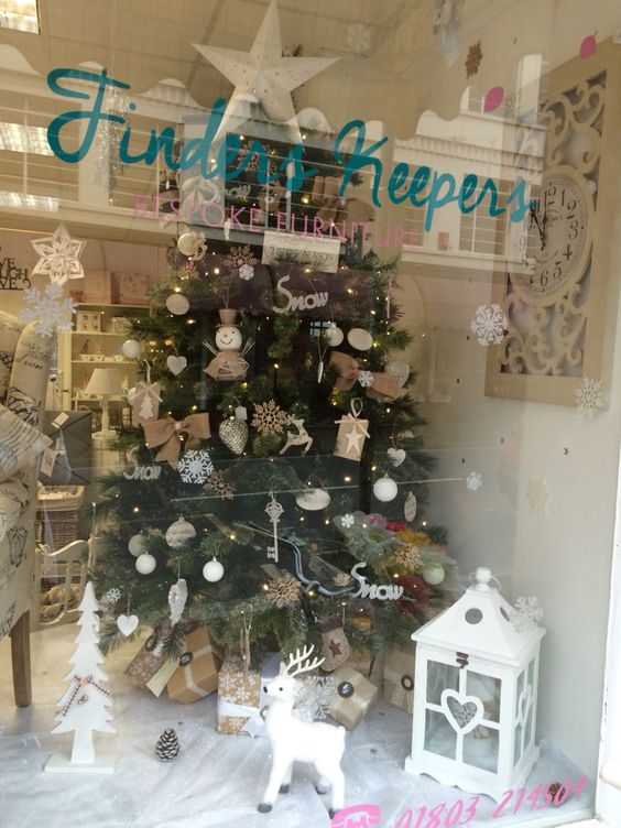 Finders keepers Christmas window (Torquay ) Www.loveshabbychic.co ...