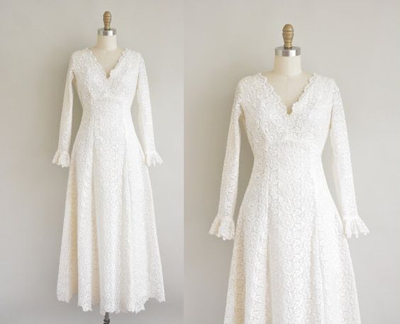 vintage 1960s wedding dress / white heavy by simplicityisbliss