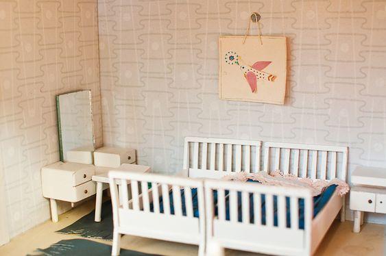 Hilda Grahnat's, mom's dollhouse... { detail }