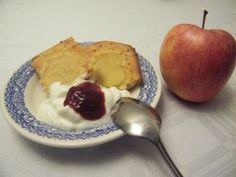 Preparar bizcocho de yogur y manzana
