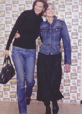 A saia é uma peça clássica do guarda-roupas feminino, você pode recorrer a ela para toda e qualquer ocasião....