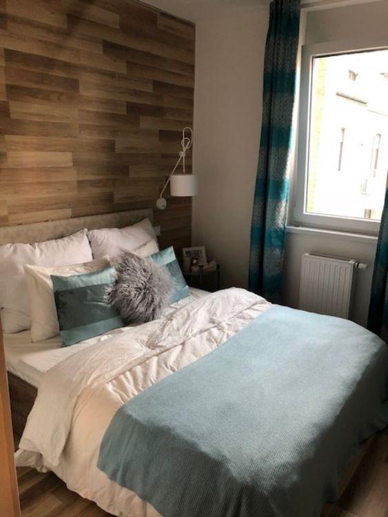 In Diesem Bett Mochte Man Gerne Einschlafen Gemutliches Liebevoll Eingerichtetes Schlafzimmer In Budapest Ab Okt Wohnung Gemutliches Schlafzimmer Haus Deko