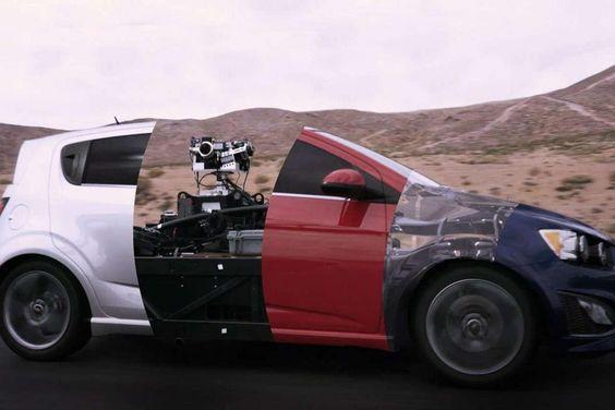 """Conheça um monstrengo que dispensa a utilização de """"carros de verdade"""" na gravação de comerciais"""