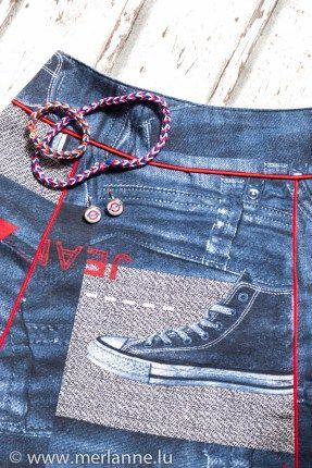 cooler Jeansrock mit roten Paspeln