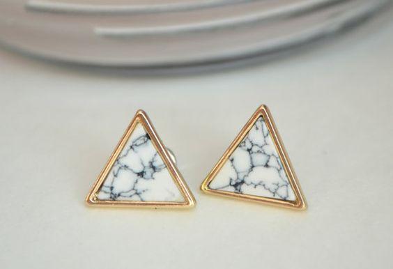 Boucles d'oreilles triangle boucle d'oreille clou par heyjuneshop
