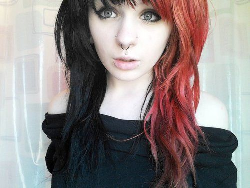 That's exactly how I want my hair half red half black ...