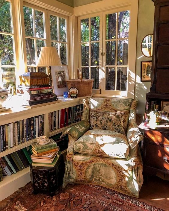 Pin By Billie Baker On I Ll Be In The Library From Owen Thomas