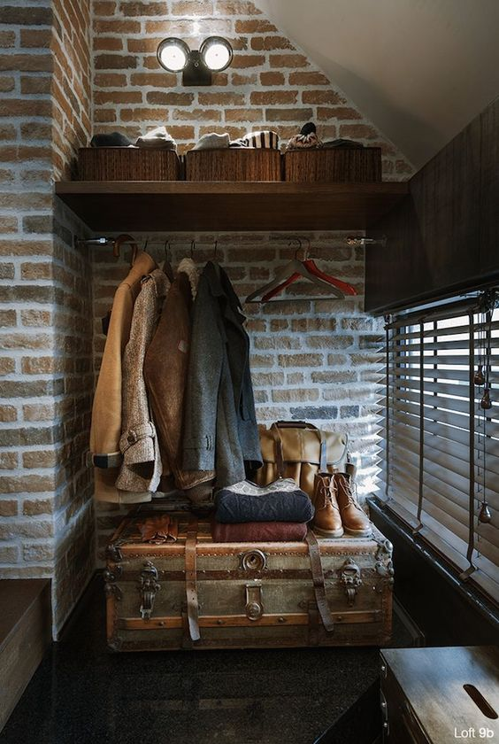 Using a antique Steam-trunk, for a entry point,! Guy Chic!
