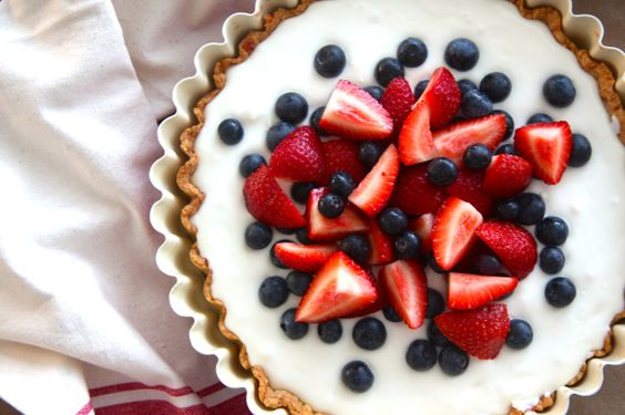red white blue 2 layer filling tart