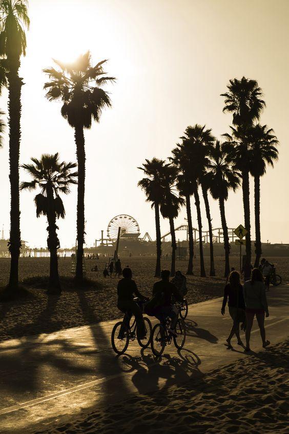 Já sabe o que vai fazer em #Losangeles? visite nosso site e faça já o seu plano de viagem. #viatorpt #turismo #LA: