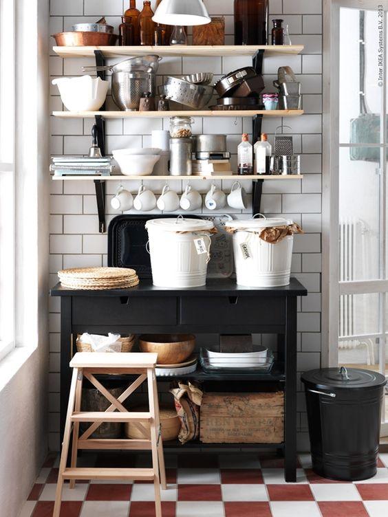 Despensa mesa ikea estanterias de almacenaxe cocina for Estanterias cocina ikea