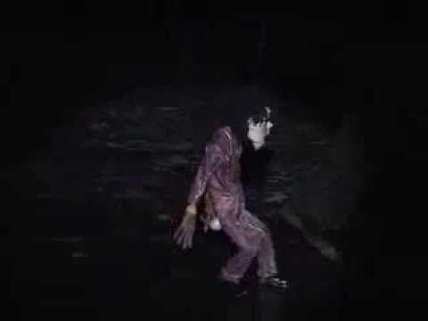 Michael Jackson! marioneta baila sus temas - YouTube