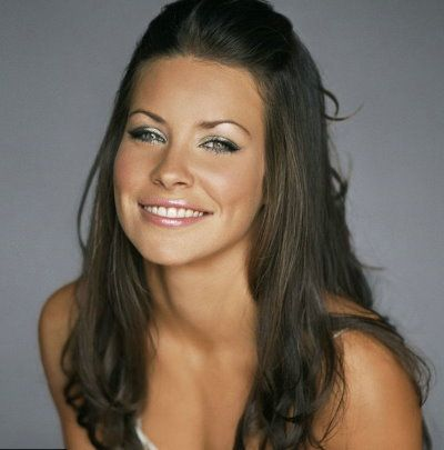 love Evangeline Lilly - natural beauty