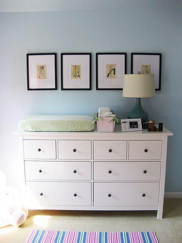 Ikea hemnes wardrobe in nursery i like the simplicity for Hemnes dresser ideas