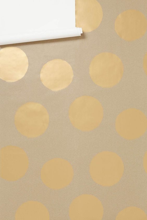 Want this gold polka dot wallpaper from @Anthropologie ...