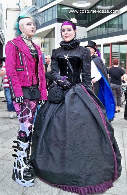 Costumes and Dresses at the Wave Gothic Festival 2011 | costume-ideas.com