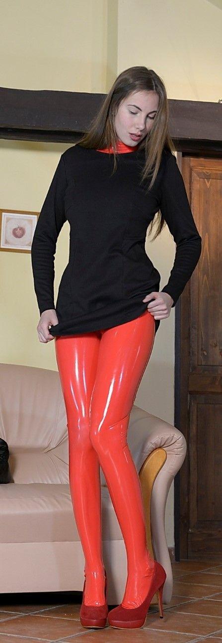 dildo-wearing-pantyhose-with-latex-girls-naked-phone