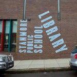 Frost Design per la segnaletica ambientale della biblioteca della scuola pubblica Stanmore di Sydney