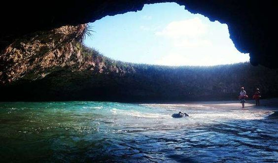 La Playa Escondida o Playa del Amor se encuentra oculta en la costa del Pacífico