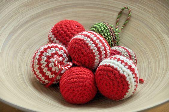 Un toon au canada boules de no l au crochet free pattern broderie point de croix - Sujets de noel au crochet gratuit ...