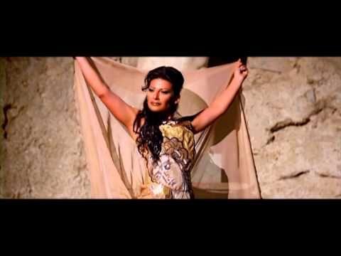 """videoclip del brano """"Duedinotte"""" è un'opera girata in due notti consecutive,nel luglio 2013, all'interno di alcune sale della Villa Romana del Casale di Piazza Armerina"""