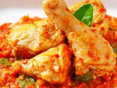 ayam rica berikut ini ada panduan cara membuat resep ayam rica daun kemangi bumbu kecap pedas manis asli sajian sedap royco yang paling
