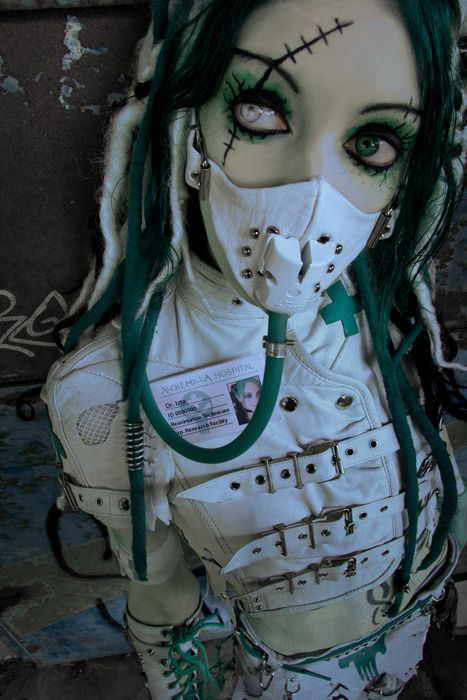 Love this creepy cyber gothic girly look. #cyber #gothic