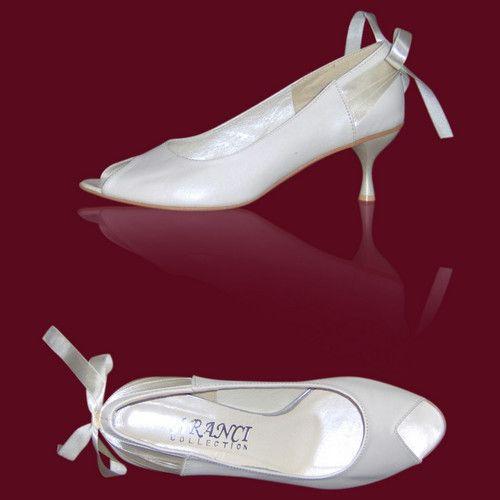 Buty Slubne Kolorowe Buty Slubne Obuwie Slubne Biale Buty Obuwie Do Slubu Plaskie Obcasy Duze Buty Duza Stopa Tega Lydka D Shoes Wedding Shoes Kitten Heels
