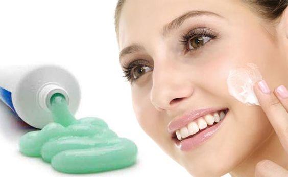 sử dụng kem đánh răng để trị mục bọc