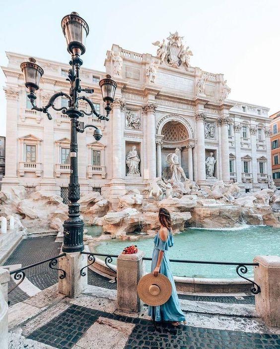 Фонтан Треви, Рим. Италия 🍦 Все хотят кинуть туда монетку? 🙃 #travel365 #travel #travelphotography #travelblog #mytrip #newyear2020 #mydreamscometrue #adventure #travelgram