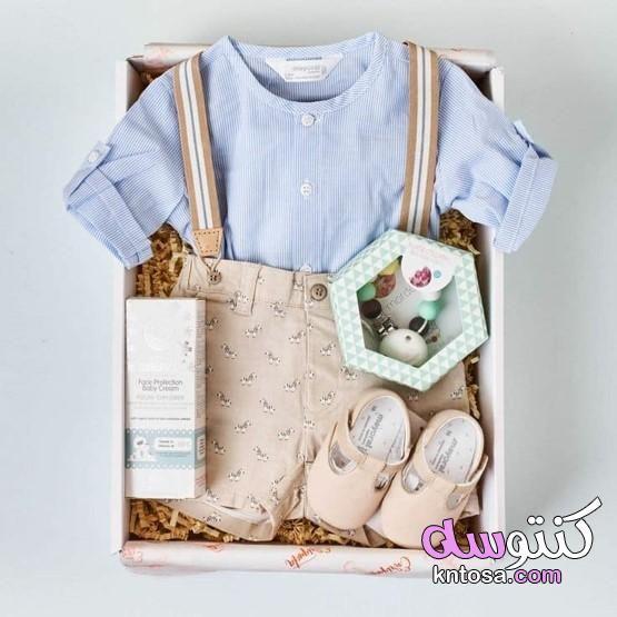 فكرة هدية لمولود مع طريقة تقدمها فكرة لهدية بيبى أفكار لهدايا مبتكرة للمواليد الجدد Diy Baby Shower Gifts Baby Shower Baskets Diy Baby Gifts