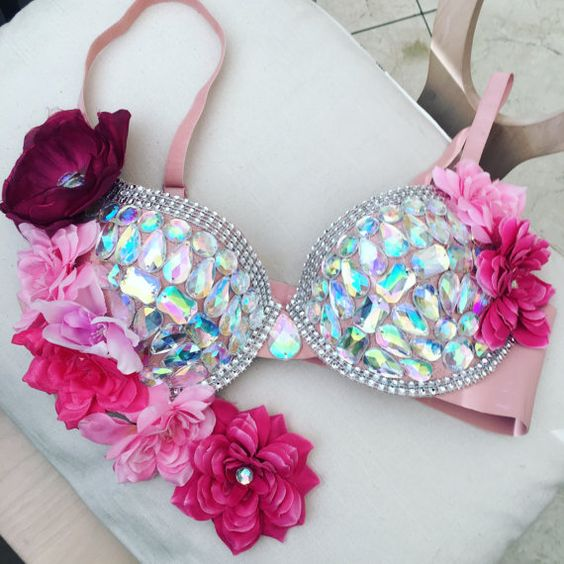 Princess diamond rave bra , halloween ,Made to order, Princess tutu , halloween costumes .rave outfit edc wear. Please contact for size