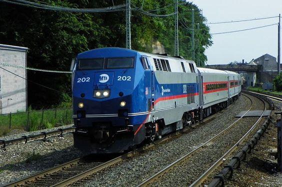 Gambar Kereta Api Lokomotif Diesel 11