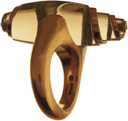 Charlotte De Syllas  Heliodor Twist Ring, 2002  Heliodor & 22ct gold  Photo: David Cripps