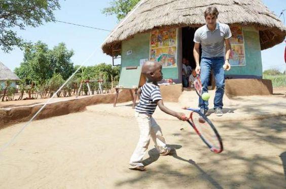 Roger Federer: ´Aiuto i bambini africani che, forse, nemmeno mi conoscono´