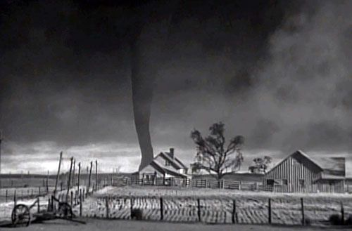 How they created the tornado in the Wizard of Oz (video ...