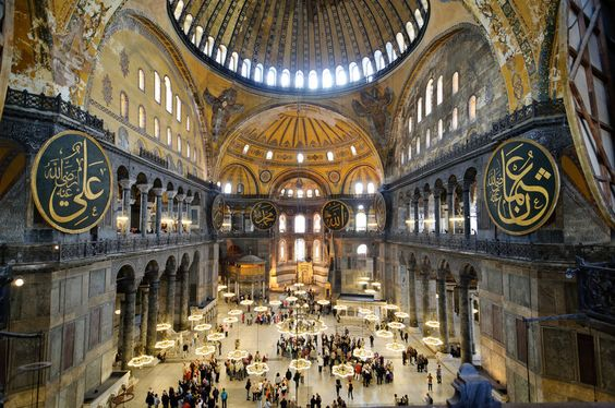And this is what the famous Hagia Sophia looks like from the inside. Have you ever seen anything so majestic? | 42 Ways Istanbul Is So Beautiful It Actually Hurts