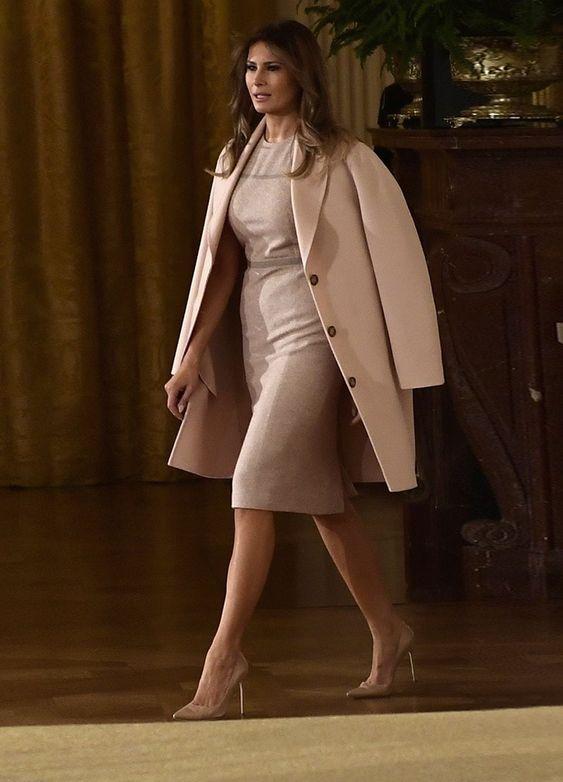 Первая леди США в тотал-беж от главного шведского бренда-трендсеттера