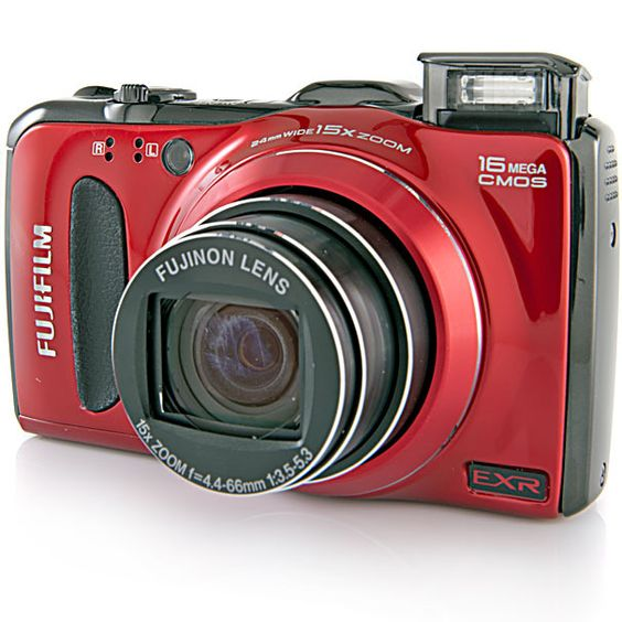 Review of Fujifilm FinePix F550EXR @ pcworld.com