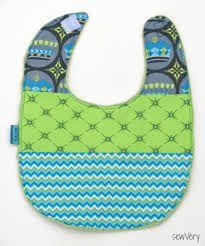 Resultado de imagem para patterns baby bibs free
