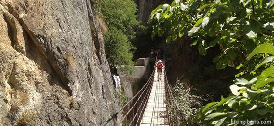 Puente colgante Cahorros de Monachil