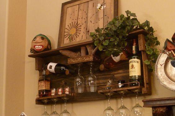 DIY this  Pallet Wood Wine Rack and Liquor Shelf