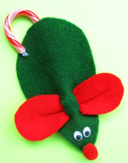 """""""Twas the night before Christmas when all thru the house not a creature was stirring not even a"""" Candy cane, felt mouse. tutorial in link."""